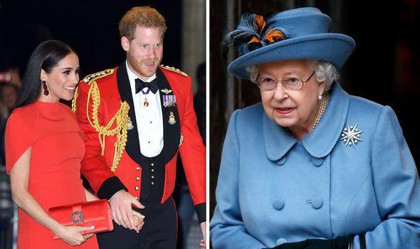 Nữ hoàng Anh xuống nước với vợ chồng Meghan Markle, đưa ra lời đề nghị đặc biệt trong mùa hè này khiến người dùng mạng phẫn nộ  - Ảnh 1.