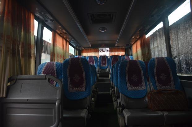 Bến xe ở Hà Nội vắng tanh vì ảnh hưởng của dịch Covid-19, nhà xe ra tận đường chèo kéo khách - Ảnh 12.