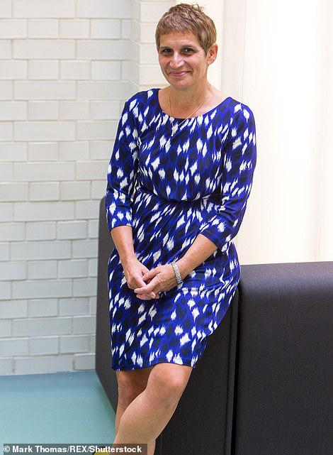 Nữ bác sĩ 60 tuổi kể chuyện may mắn chiến thắng Covid-19 bằng nước chanh, paracetamol và súp gà - Ảnh 2.