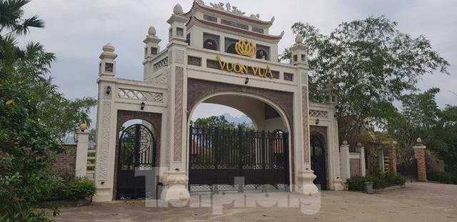Bên trong dự án Vườn Vua hơn 1.400 tỷ vướng hàng loạt sai phạm ở Phú Thọ - Ảnh 1.