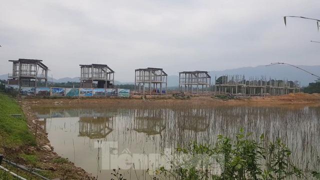 Bên trong dự án Vườn Vua hơn 1.400 tỷ vướng hàng loạt sai phạm ở Phú Thọ - Ảnh 11.