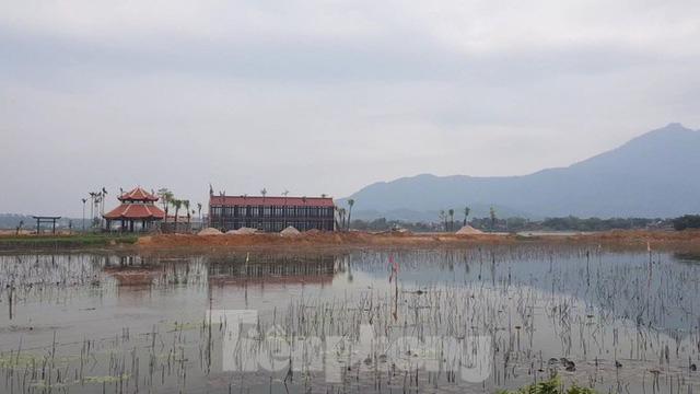 Bên trong dự án Vườn Vua hơn 1.400 tỷ vướng hàng loạt sai phạm ở Phú Thọ - Ảnh 16.