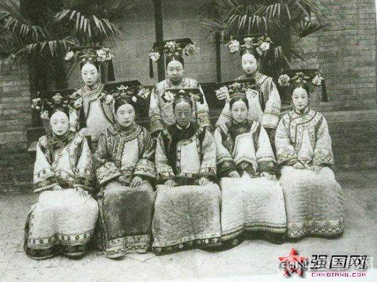 Triều nhà Thanh có hơn 200 nghìn nữ nhân, tại sao đa số các bức ảnh phi tần hậu cung được lưu giữ đến ngày nay lại kém sắc như thế? - Ảnh 1.
