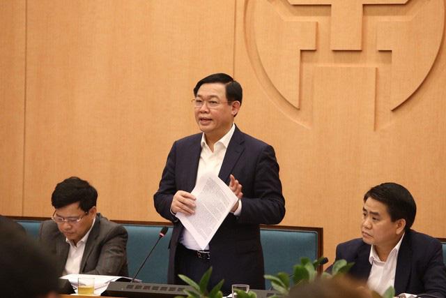 Bí thư Thành ủy Hà Nội yêu cầu thực hiện cách ly, lên danh sách những người tiếp xúc với lái xe chở bệnh nhân Covid-19 thứ 17 - Ảnh 1.