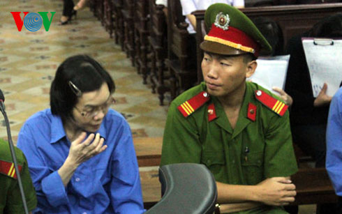 Huỳnh Thị Huyền Như tại phiên xử phúc phẩm sáng nay (19/12)