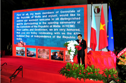Ông Huỳnh Trung Nam phát biểu tại sự kiện khai trương Lãnh sự quán Malta tại TPHCM năm 2008.