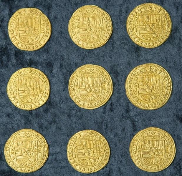 Chín đồng xu quý hiếm đươcj sản xuất dành riêng cho hoàng gia Tây Ban Nha.