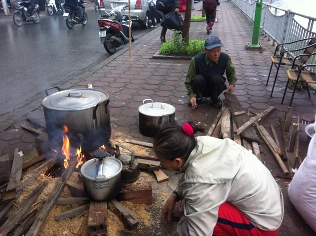 Tết truyền thống, bánh chưng, vỉa hè, Hà Nội...