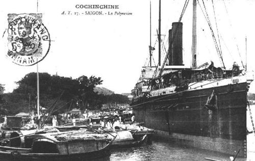 Một chiếc tàu buôn tại thương cảng Sài Gòn xưa