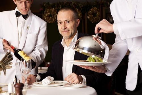 Các chuyên gia đánh giá nhà hàng làm việc cho Michelin luôn là những người âm thầm, bí mật và thậm chí ngay người thân cũng không biết về công việc của họ. Ảnh:Fooltravel.