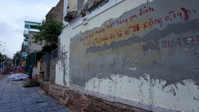 Nguyễn Văn Huyên, bức tường 1,7 tỷ, con đường đắt nhất hành tinh, Cầu Giấy...