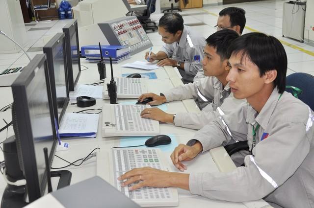 phòng điều khiển nhà máy Đạm Phú Mỹ