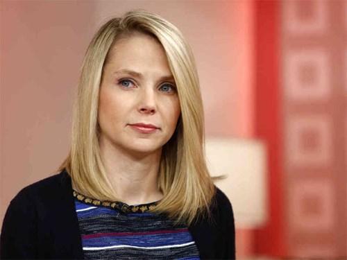 """Marissa Mayer - CEO của Yahoo từng kiếm 36,6 triệu USD trong năm 2012, tuy nhiên năm 2013, sự sa sút của tập đoàn công nghệ này cũng chứng kiến Mayer """"chỉ"""" nhận được 24,9 triệu USD"""