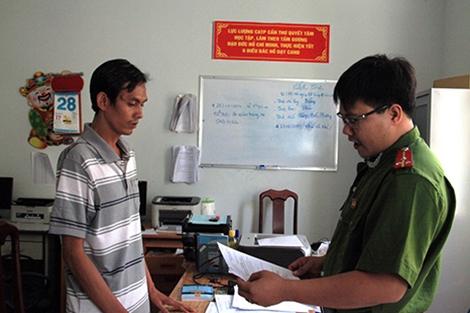 Cơ quan điều tra tống đạt quyết định khởi tố, bắt giam Quang Thành Trung.