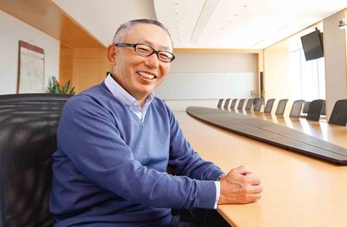CEO Tadashi Yanai doanhnhansaigon