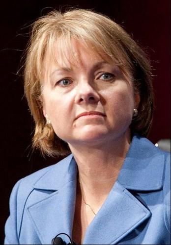 Angela Braly – CEO hãng bảo hiểm lớn thứ 2 tại Mỹ.
