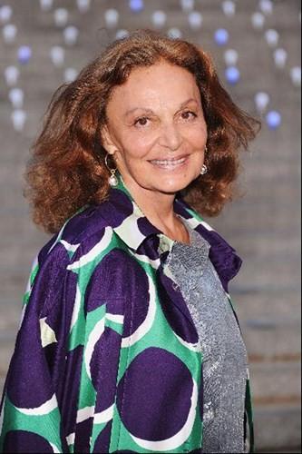 Diane Von Furstenberg là nữ doanh nhân nổi tiếng trong làng thời trang quốc tế. Bà là Chủ tịch Hội đồng các nhà thiết kế thời trang Mỹ (CFDA) và hàng trăm nhà thiết kế hàng đầu thế giới.