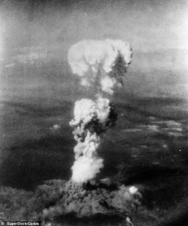 Đồng hồ Tận thế chạm mốc 11h 57: Chưa bao giờ nhân loại đến gần thảm họa hơn thế! 2