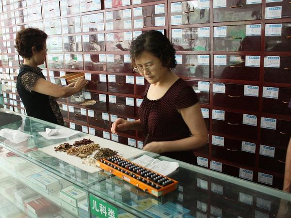 Nhiều loại thuốc Đông Y viên nén tại Úc bị phát hiện chứa độc tố, DNA không rõ nguồn gốc.