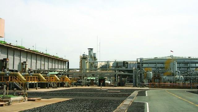 Khu sản xuất nước khử khoáng và Cooling Tower