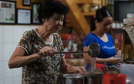 330 Phan Đình Phùng, bà Phạm Ngọc Tuyết, cà phê âm phủ, Cafe theo kiểu Tây, Cafe vợt Sài Gòn, ông-Đặng-Ngọc-Côn, 330-Phan-Đình-Phùng, bà-Phạm-Ngọc-Tuyết, cà-phê-âm-phủ, Cafe-theo-kiểu-Tây