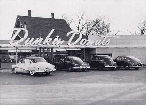 Những cửa hàng Dukin Donuts đầu tiên ở Boston