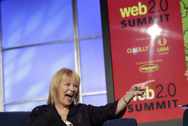 Cựu CEO Carol Bartz bị sa thải sau chỉ một cú điện thoại.