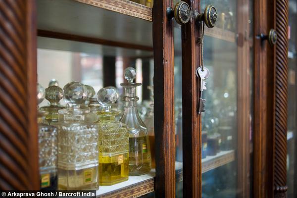 Các chai nước hoa của Gulab Singh Johrimal đều có giá cao ngất ngưởng.