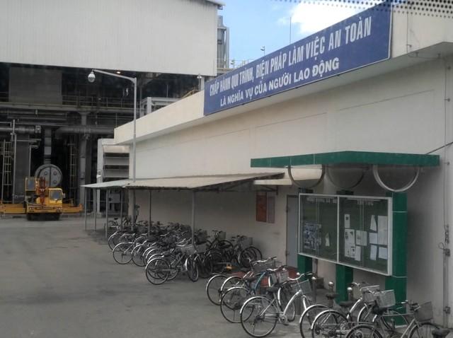 Xe đạp được sử dụng đi lại trong khuôn viên nhà máy