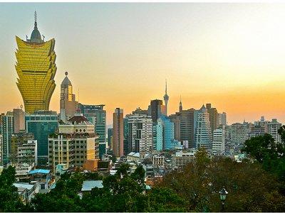 Hôm nay công ty của Hồ Chí Minh chạy 18 sòng bạc ở Macau.