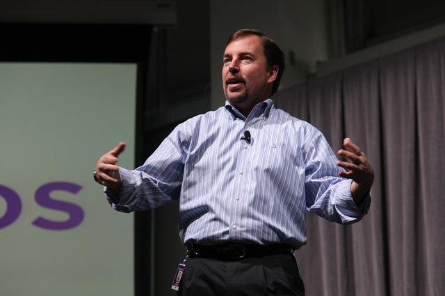 Cựu CEO Scott Thompson dính phải scandal gian lận và cũng là người đưa ra một quyết định sai lầm nhất trong lịch sử Yahoo.
