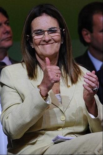 Maria das Gracas Silva Foster là Giám đốc điều hành của Tập đoàn dầu khí quốc qua Brazil – Petrobras, với doanh thu trên 130 tỷ USD.