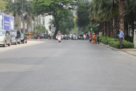 Phần đường Lê Thành Tôn (giao với đường Nguyễn Huệ) đã hoàn thành