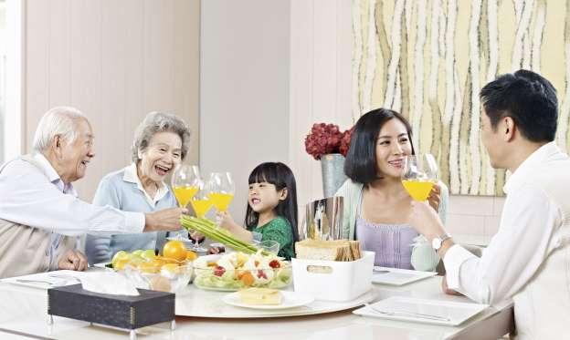https://cafebiz.cafebizcdn.vn/k:2015/anh-1-1426045811418/nhung-quy-tac-an-uong-tai-moi-quoc-gia-nhat-dinh-phai-biet.jpeg