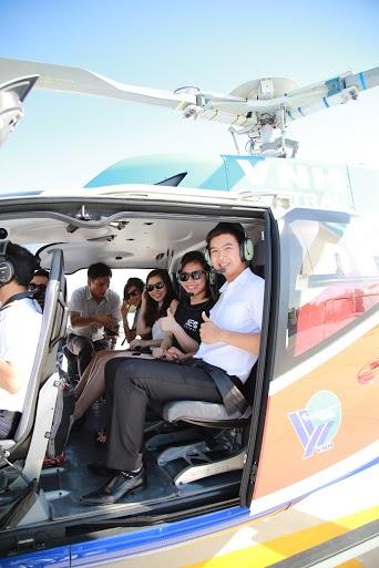Hành khách may mắn trên các chuyến bay UberCHOPPER đầu tiên tại Việt Nam