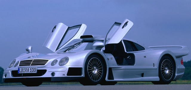 Chiếc Mercedes CLKGTR duy nhất có tay lái bên phải được thiết kế riêng cho Đức vua