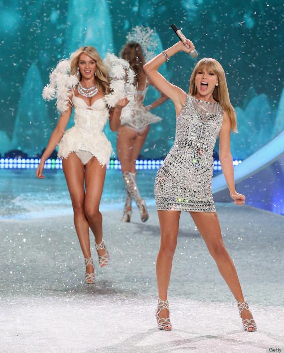 Các ngôi sao trẻ như Taylor Swift luôn được chào đón tại show diễn của hãng nội y này