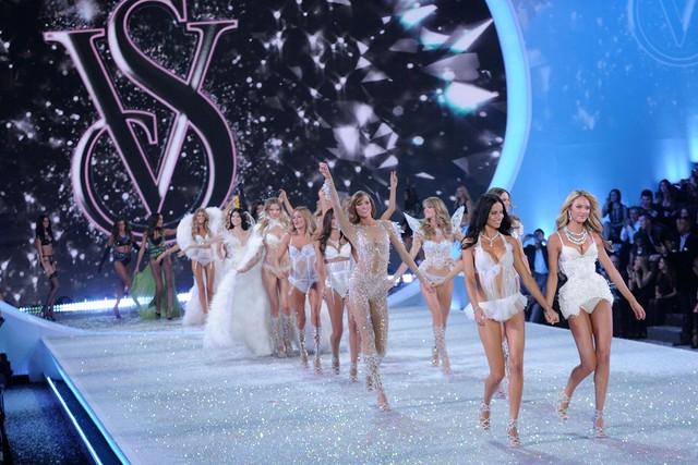 Show diễn năm 2013 của Victorias Secret