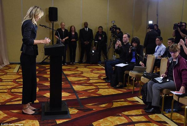 Sharapova tại buổi họp báo hôm 7/3 ở LA, Mỹ.