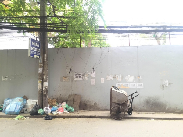 Bãi chứa toàn rác thải sinh hoạt dọn 10 năm không sạch... - (Ảnh NVCC)