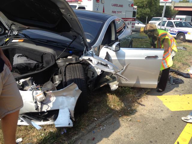 Một chiếc Tesla Model S từng gặp nạn tại Mỹ