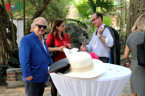 Từ trái qua, Đại sứ Hy Lạp, Đại sứ Israel tại Việt Nam là những người bạn luôn gắn bó với Việt Phủ
