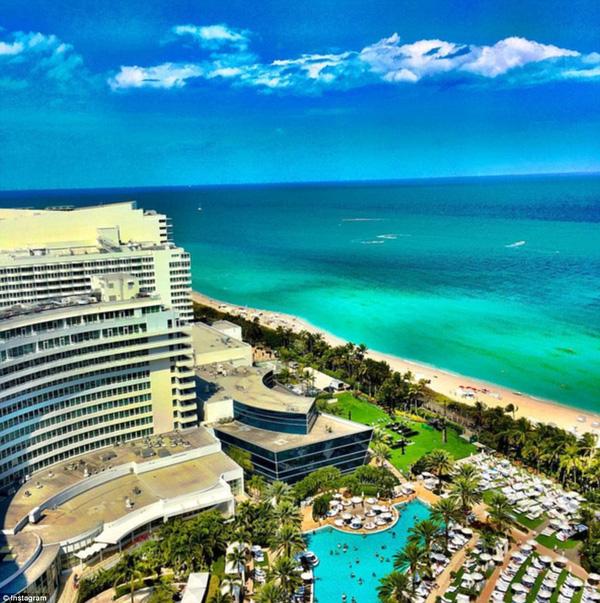 Quang cảnh nhìn từ phòng đặc biệt mà Kaufman đã ở lại trong khách sạn Hotel South Beach .