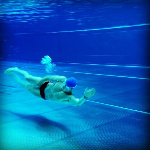 Boselli bắt đầu bơi từ năm 5 tuổi sau đó anh chuyển sang chạy đường dài.