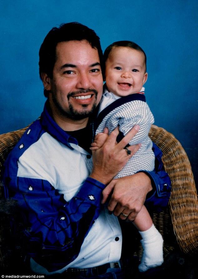 Cho tới những năm 2000, Richard dần nhận ra giới tính thật của mình và nhận con nuôi là Marco Hernandez.