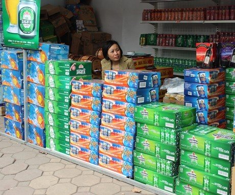 Cửa hàng tự động đẩy giá bia tăng cao để kiếm lời