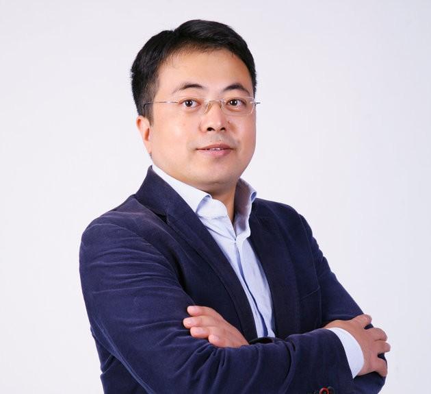 Shrek hay còn gọi Qii Xiaoye - người sáng lập trung tâm đào tạo Uplooking và WYZC.
