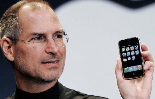 Jobs đã từng nói không với smartphone nhưng rồi ông làm ngược lại.