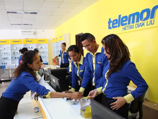Chủ tịch VINASA Trương Gia Bình khẳng định, các doanh nghiệp ICT Việt Nam đang vươn ra ra thị trường nước ngoài rất mạnh mẽ cả về quy mô hiện diện cũng như tốc độ tăng trưởng. (Trong ảnh: mạng Telemor của Viettel là nhà mạng dẫn đầu thị trường Đông Timor)
