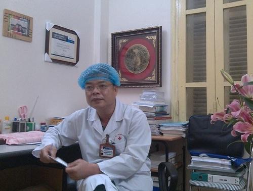 TS Thái khẳng định, chưa có nghiên cứu nào chứng minh đông y chữa khỏi ung thư.